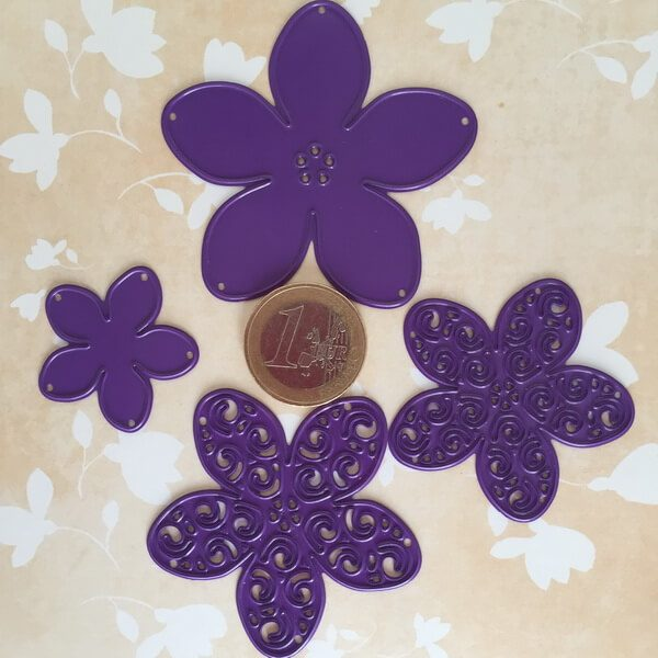 Troqueles de 4 Flores con Filigrana tamaño